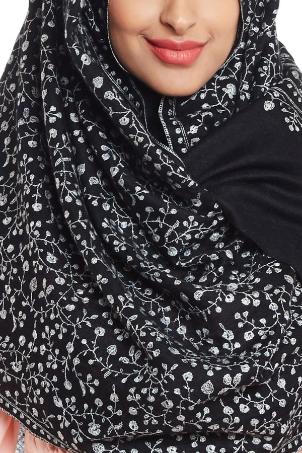 The Black Monochromatica Hijab