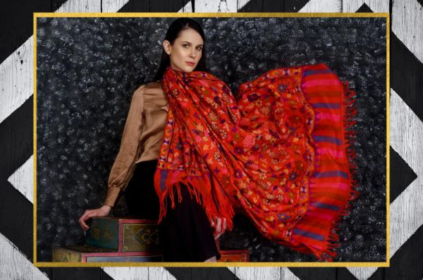 What is a Pashmina scarf?