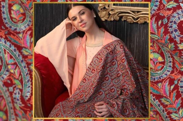 Kashmiri shawl and the Paisley